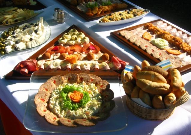 6ae937d713873 Párty Centrum - Banská Bystrica - Catering, raut, obložené misy, obložené  chlebíky a ďalšie